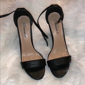 Breckelle Black Block Heel, Sz 8